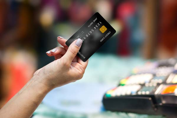 on pay day, consumers spending spikes