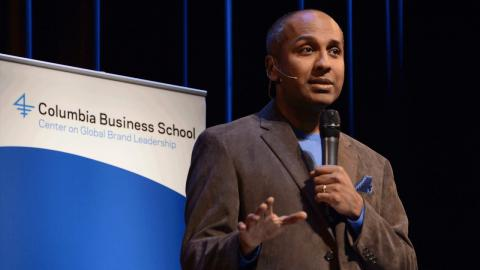 Embedded thumbnail for Digital and Social Lessons from a Year @MetMuseum: CDO Sree Sreenivasan